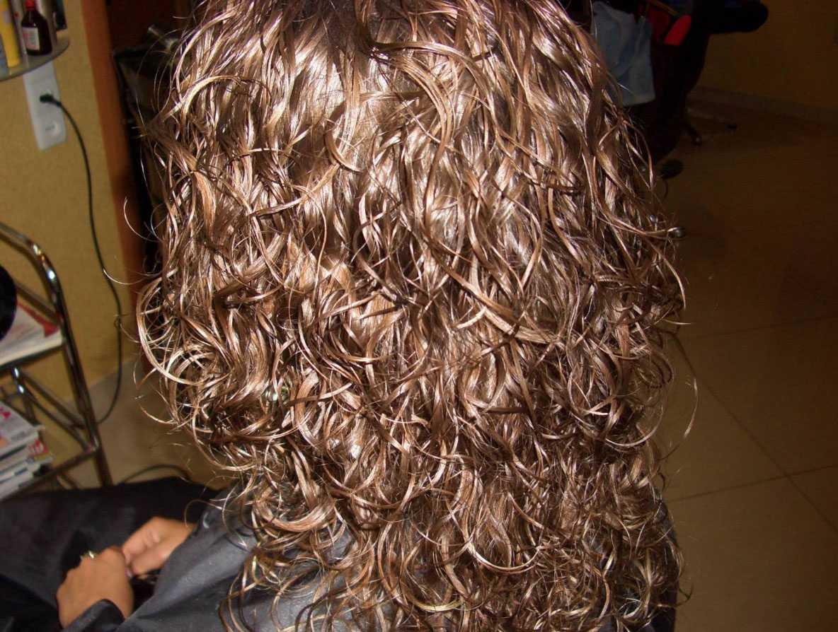 Биозавивка волос: стоит ли игра свеч?