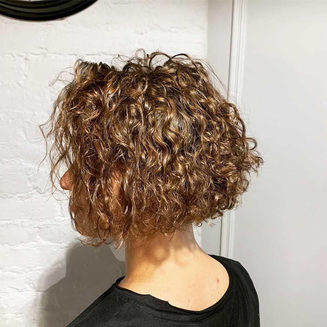 Карвинг на короткие волосы: описание процедуры и советы стилиста