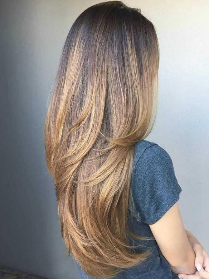 Градуированная стрижка на длинные волосы: 21 модная идея с фото