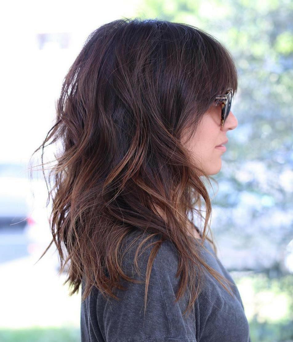 Стрижка каскад на средние и длинные волосы: фото