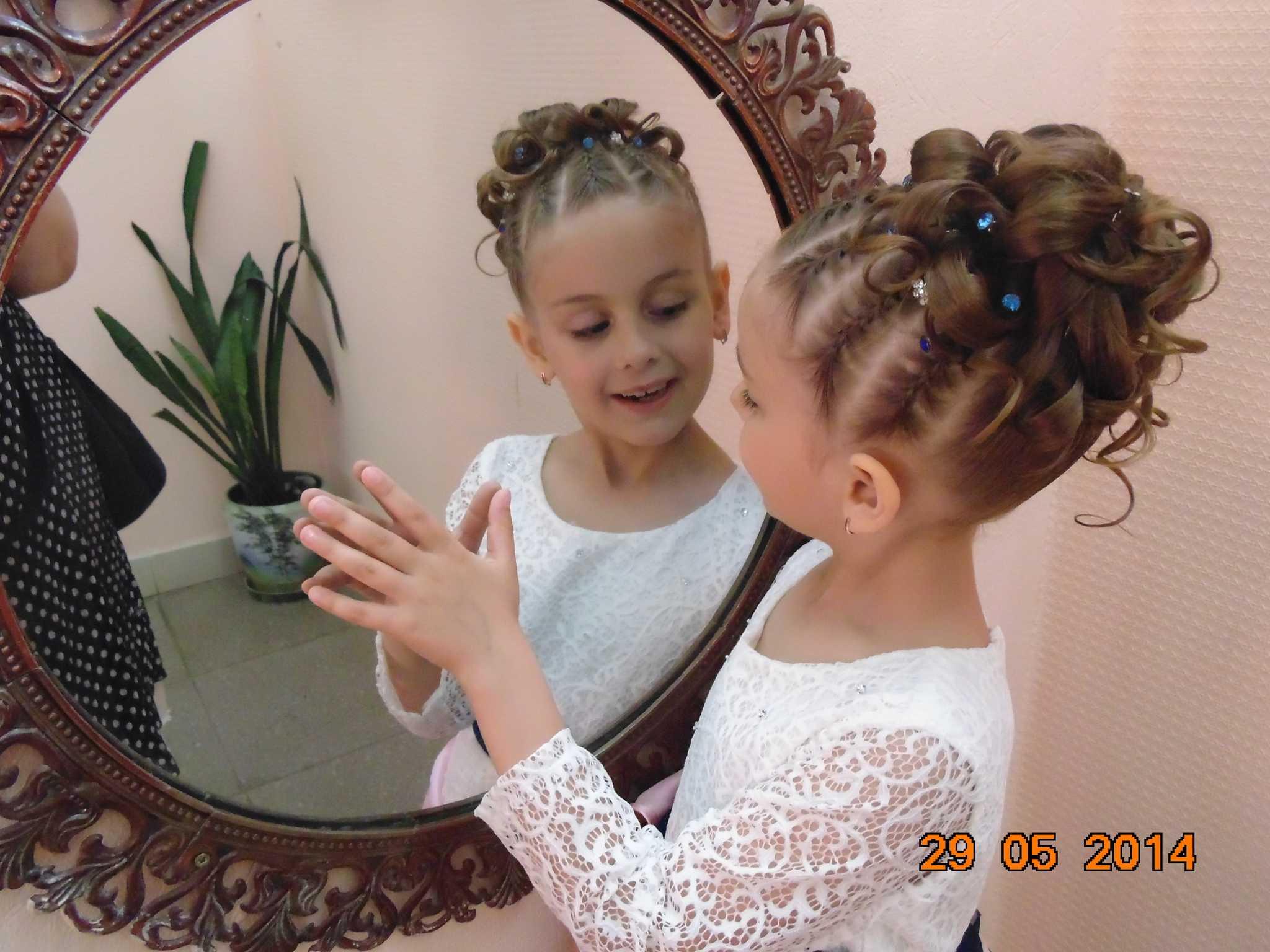 Причёски на выпускной в детский сад на длинные волосы