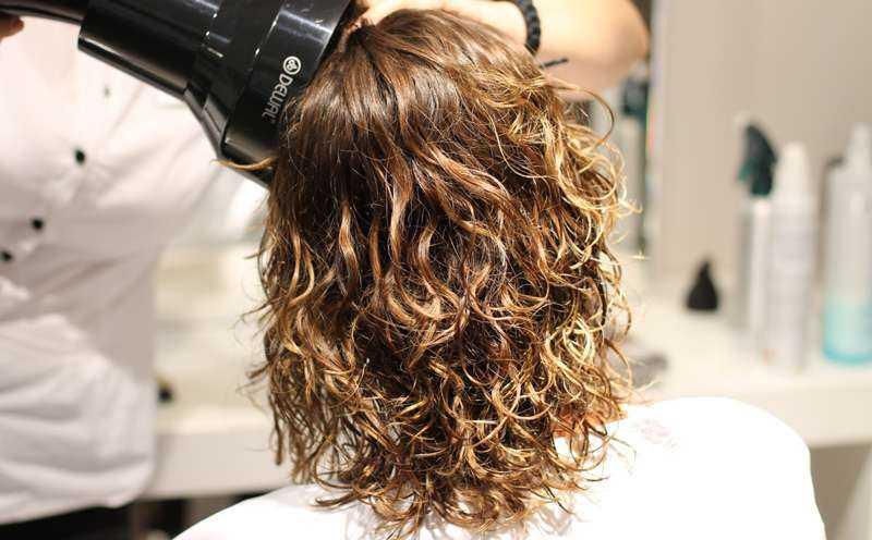 Кому идет карвинг на средние волосы, и как укладывать такие волосы