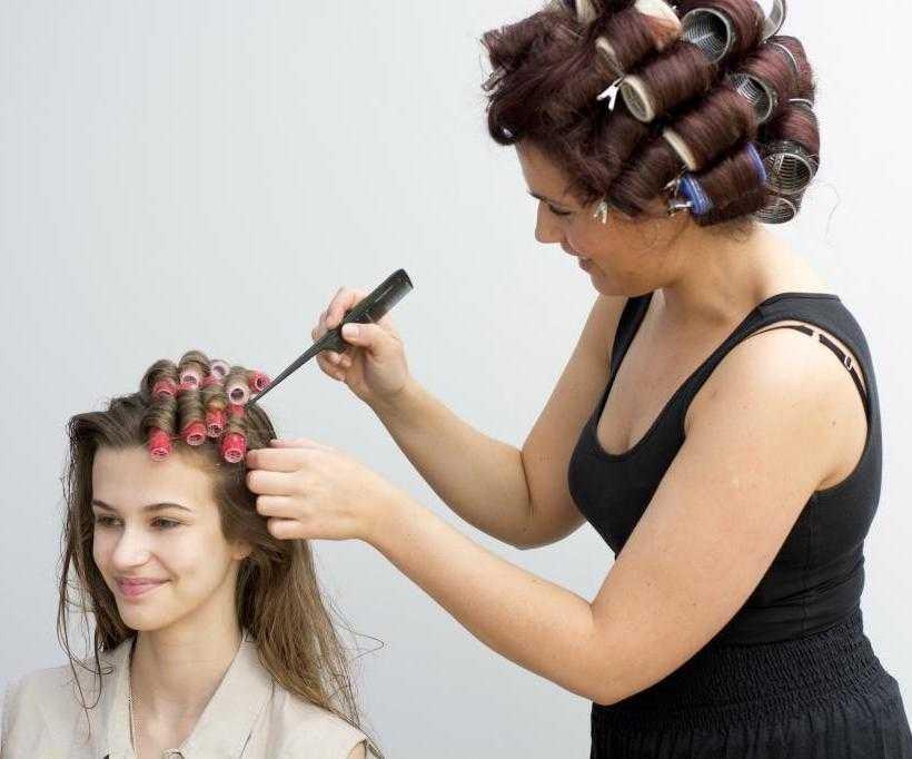 Как можно накрутить локоны ребенку, чтобы не повредить волосы. красивые кудри для утренника без плойки и термобигуди. домашние средства для стайлинга.